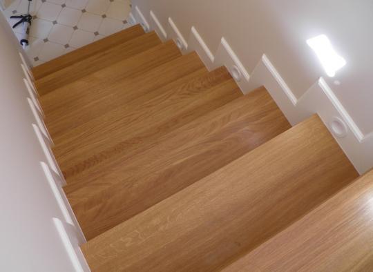Listwy przy schodach